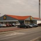 Supermarket Lidl v Modre